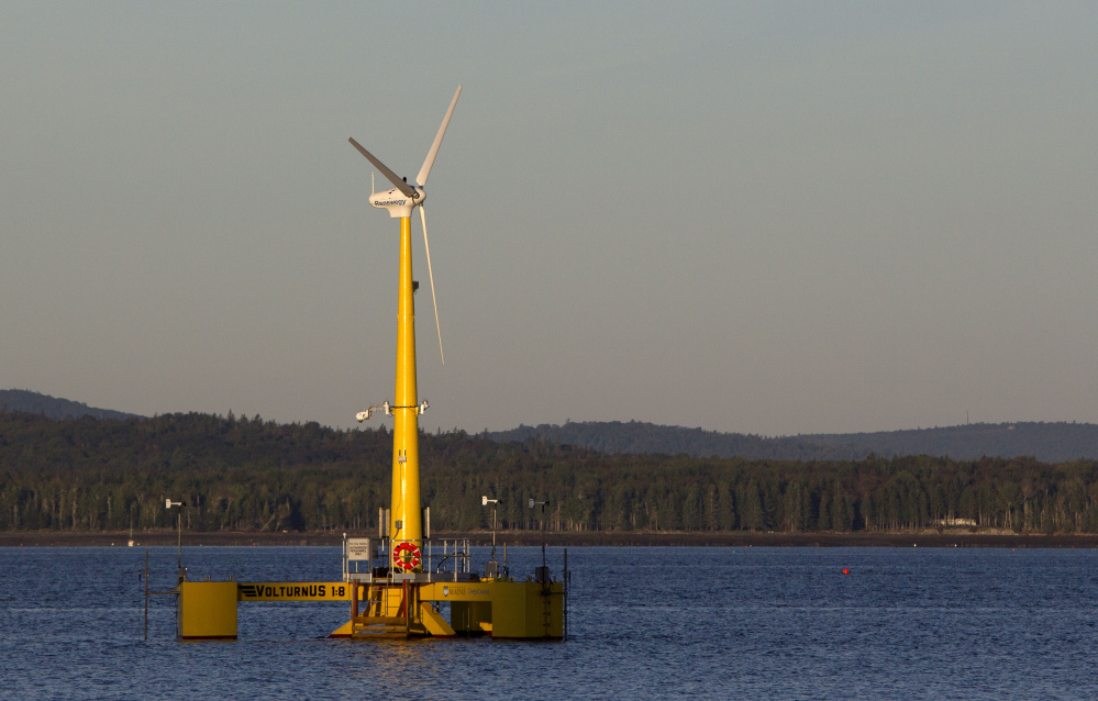 featured image for Portland Press Herald: Contractors, developer promote offshore wind jobs deal for Maine